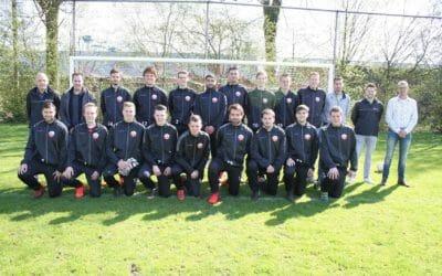 Nieuwe trainingspakken tweede elftal